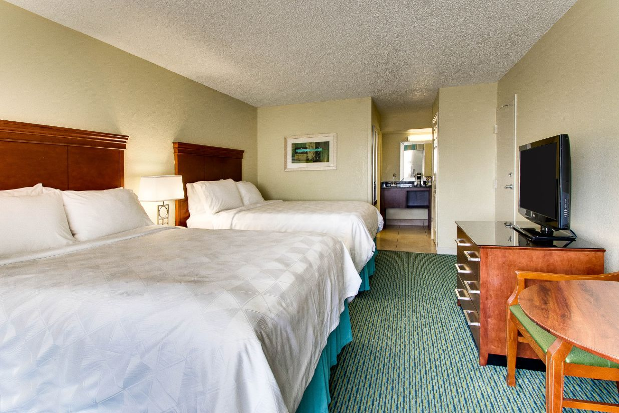 Lake Buena Vista Hotels With Queen Beds And Balcony Pool