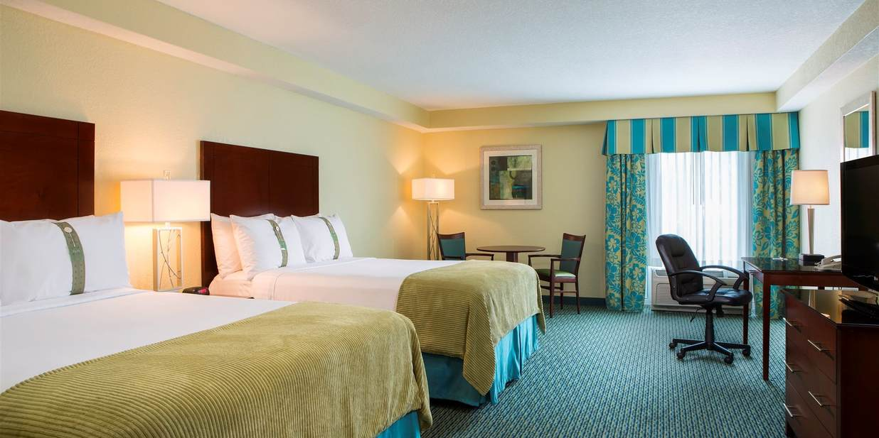 Deluxe Two Queen Bedrooms Near Walt Disney World Holiday Inn - Queen bedrooms